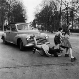 PATINS A ROULETTES A LA MUETTE 1955
