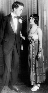 Anita Loos y su esposo