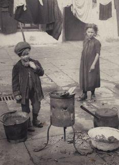 Quaker Street, London, 1900