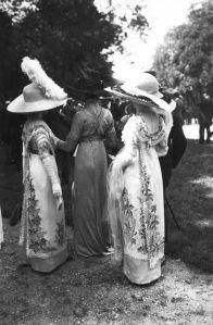 Auteuil, 1911, via Bibliothèque Nationale de France.