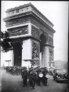 Los alemanes entran en París