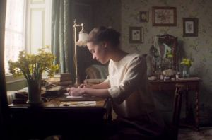 Alicia Vikander en la película Testament of Youth