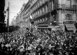 14 abril de 1931. El pueblo de Madrid se echa a la calle para celebrar la Segunda República