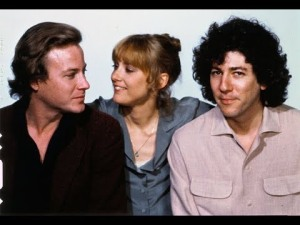 Los actores John Heard, Mary Beth Hurt y Peter Riegert en la película A chilly scenes of winter